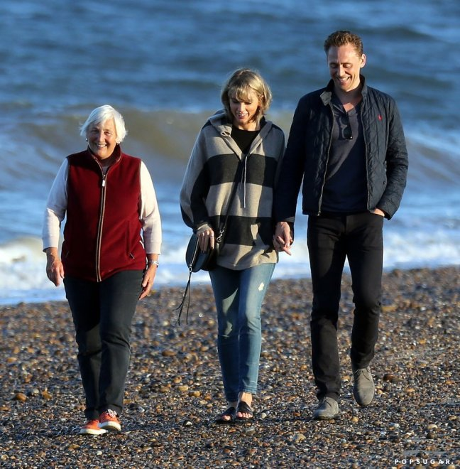 Taylor-Swift-Tom-Hiddleston-His-Mom-UK.jpg